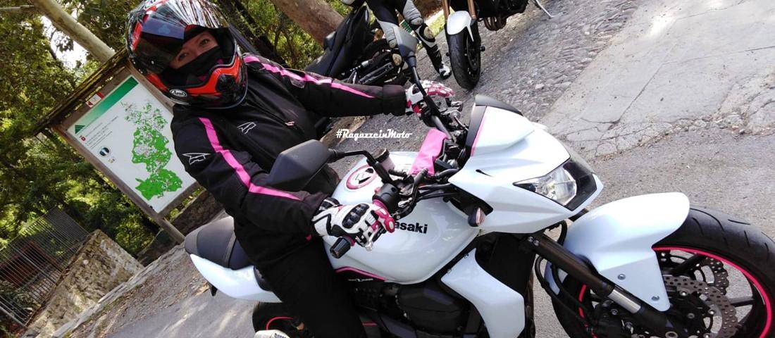 ally-ragazze-in-moto