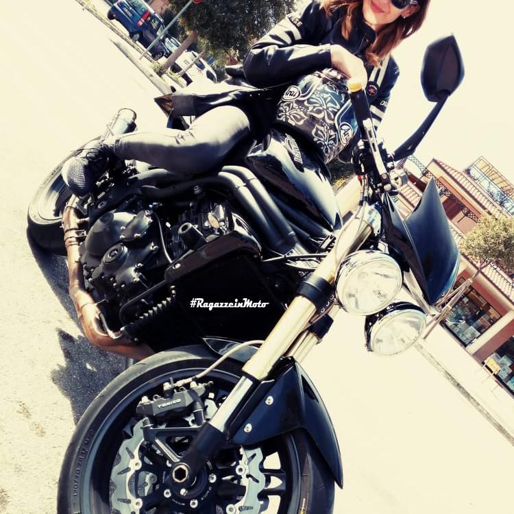 patrizia_ragazze_in-moto