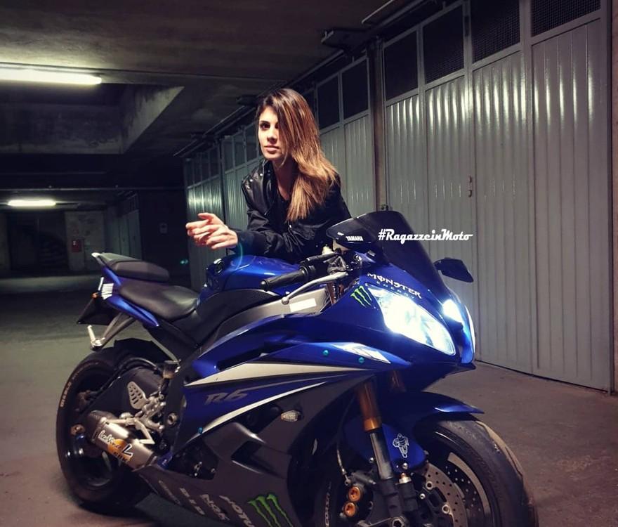 federica_ragazze_in-moto
