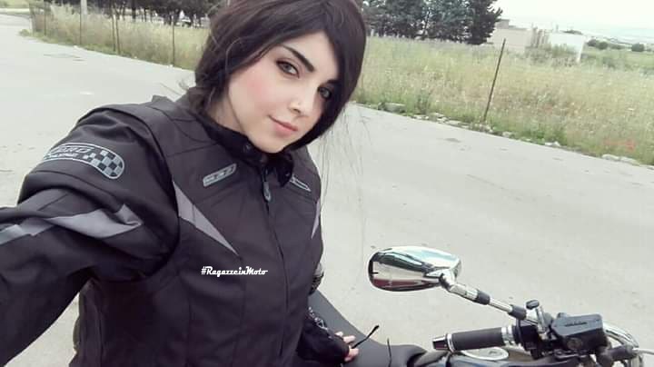 anna_mary_ragazze_in-moto
