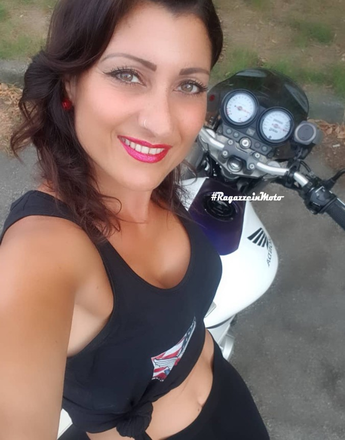 elisabetta_ragazze_in_moto