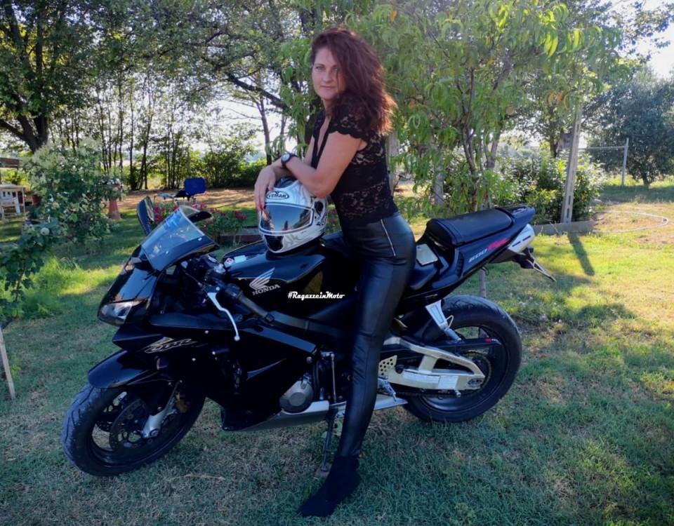madalina_ragazze-in-moto