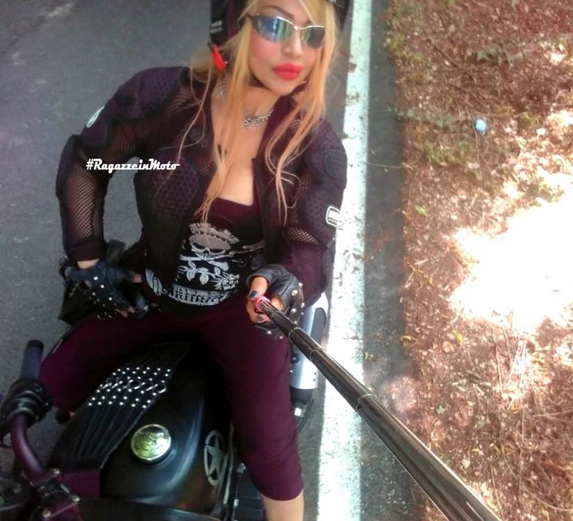 larissa_ragazze-in_moto