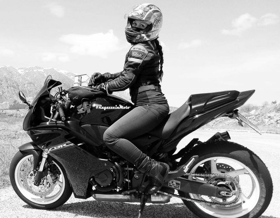 anna_maria_ragazze_in-moto