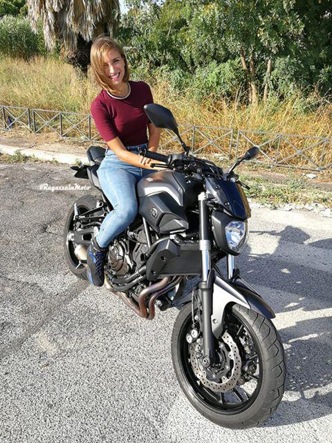 nicoletta_ragazze_in_moto
