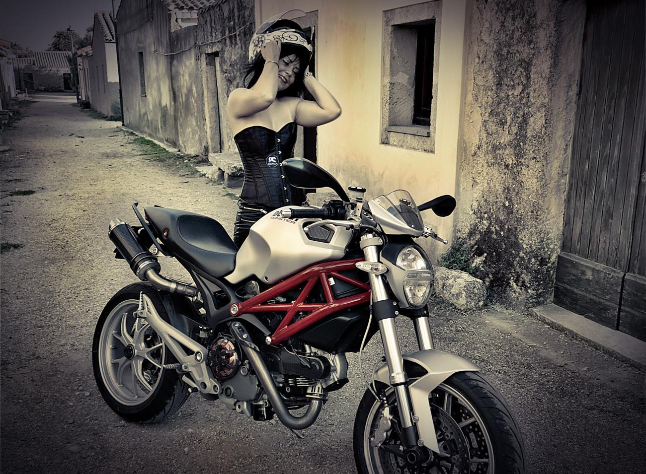 letizia_ragazze_in_moto