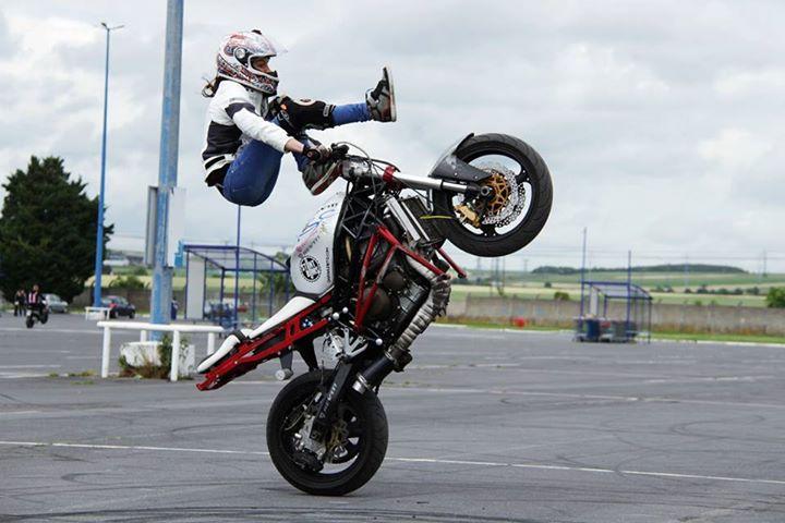 sarah_lezito_stunt_woman2