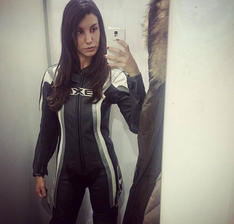 Camilla__ragazze_in_moto