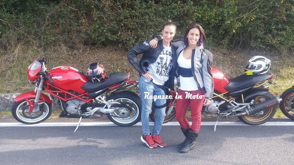 alice__ragazze_in_moto