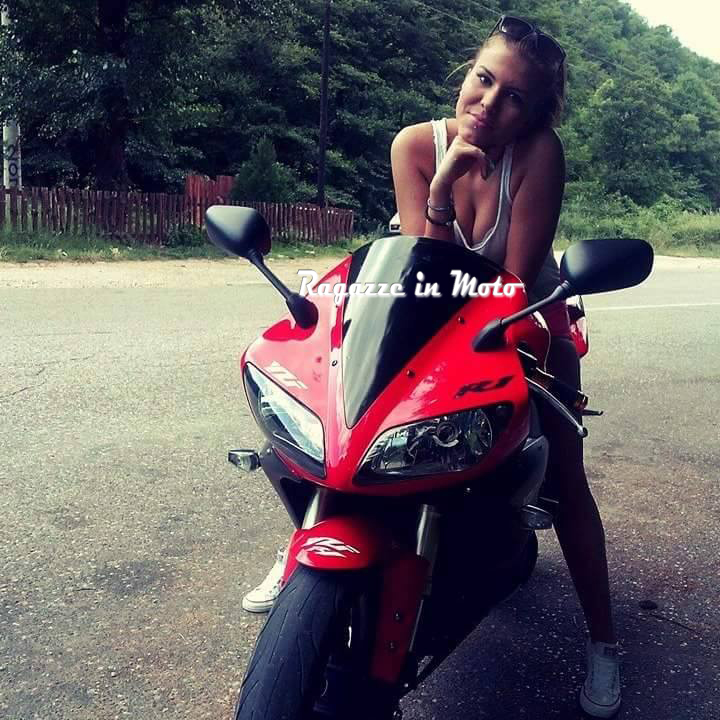 maja_ragazze-in-moto