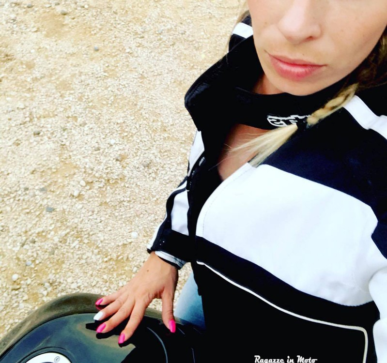Giorgia_ragazze_in_moto