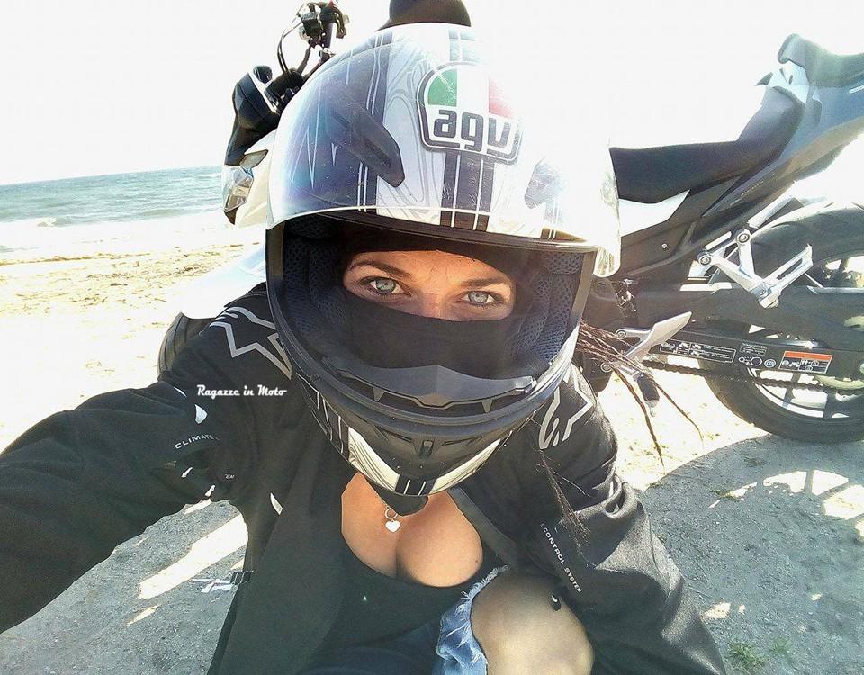 luana_ragazze-in-moto