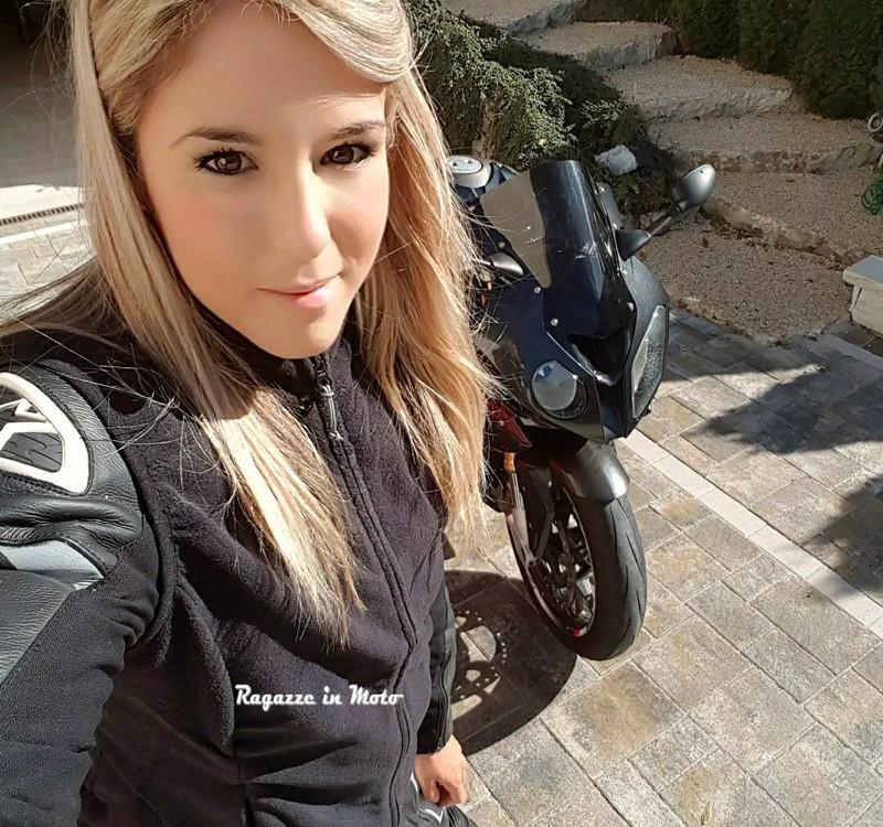 lucia_ragazze_in_moto