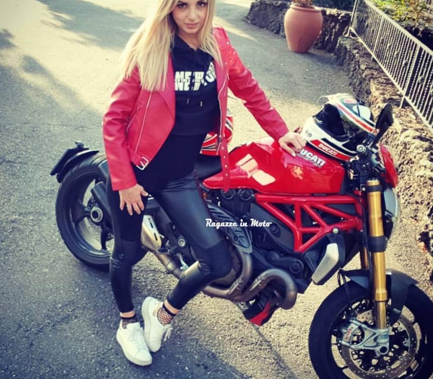 karla-ragazze-in-moto