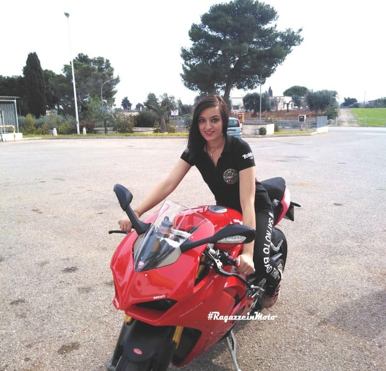 arianna_ragazze_in-moto