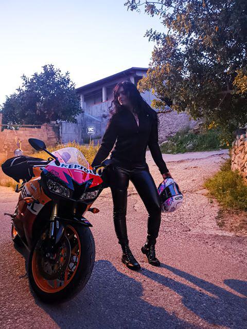 silvia-ragazze_in_moto
