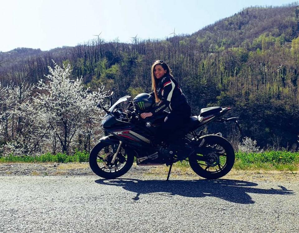 jessica_ragazze_in-moto
